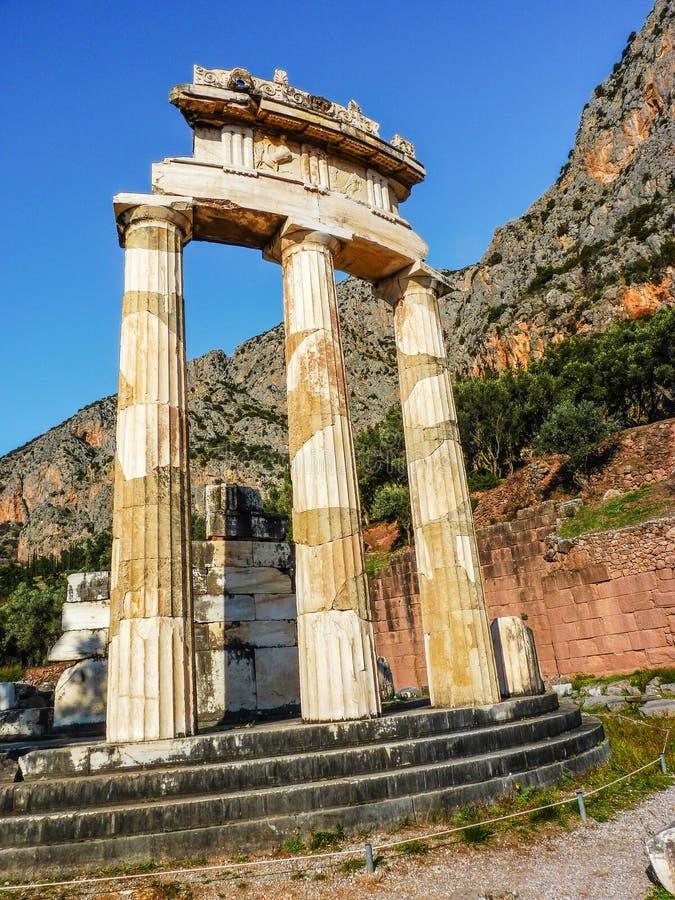 Athena Pronoia Temple em Delphi em Grécia fotografia de stock royalty free