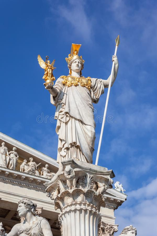 Athena Statue devant le Parlement à Vienne Autriche photos stock