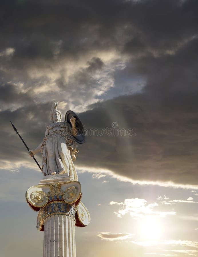 Athena staty, gudinnan av vishet och filosofi arkivbild