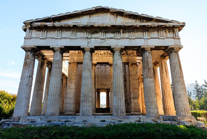 Athene, Griekenland Hephaestustempel op blauwe hemelachtergrond stock afbeelding