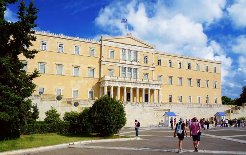 Athene, Griekenland, het parlement op Syntagmavierkant royalty-vrije stock afbeeldingen