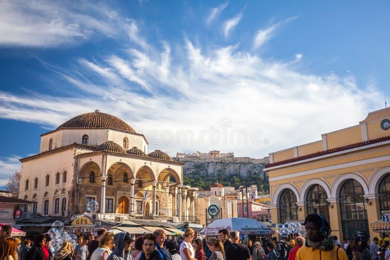 11 03 2018 Athene, Griekenland - Mening van Tzistarakis-Moskee en Monas royalty-vrije stock foto