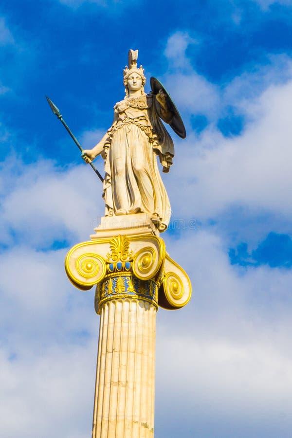 Athene-Statue, griechische Göttin von Klugheit in der Akademie von Athen in Griechenland lizenzfreie stockfotografie