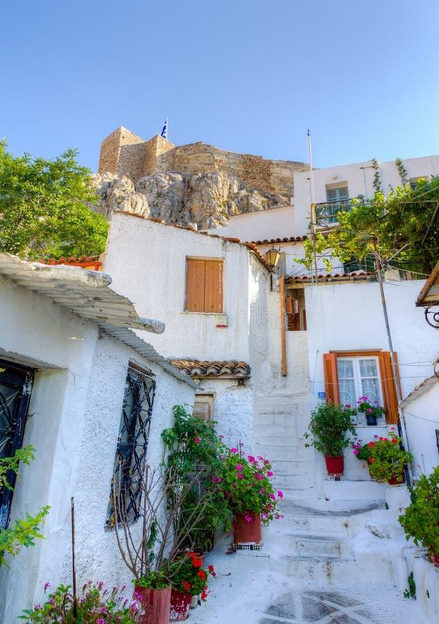 athens greece houses den traditionella plakaen royaltyfri fotografi