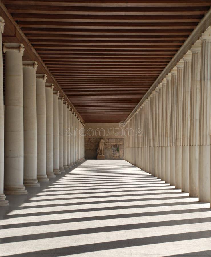 athens kolonngreece hall royaltyfria bilder