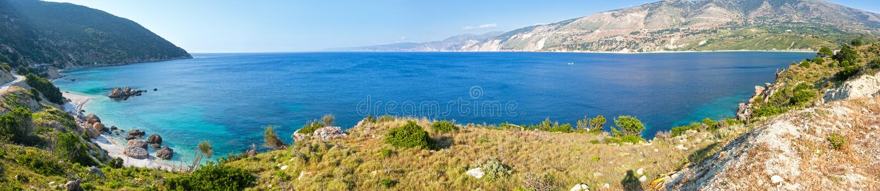 Atheras海湾全景(Kefalonia,希腊) 免版税库存图片