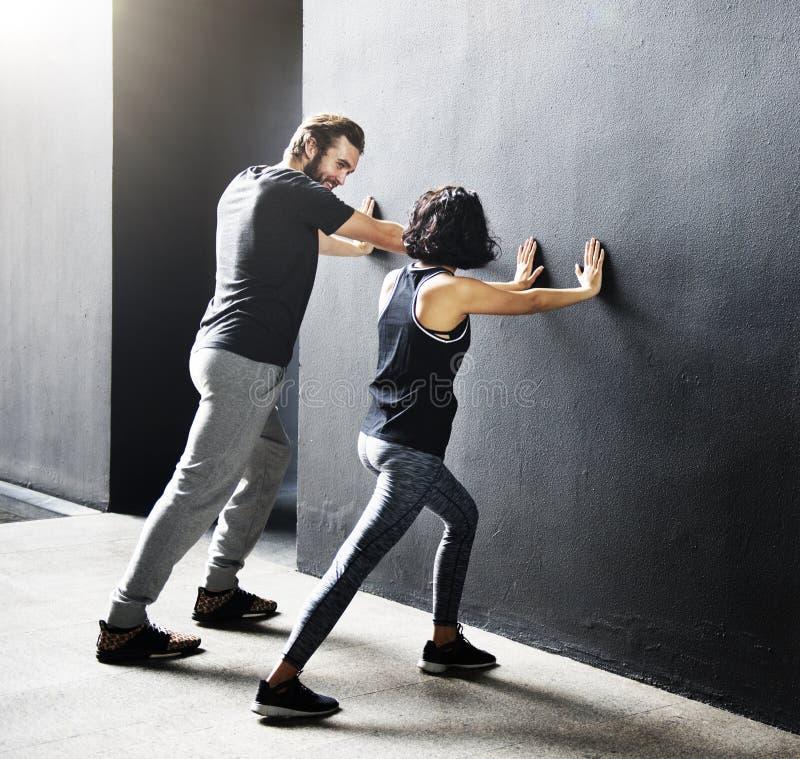 Athlète adulte Sporty Training Concept d'exercice de couples photographie stock