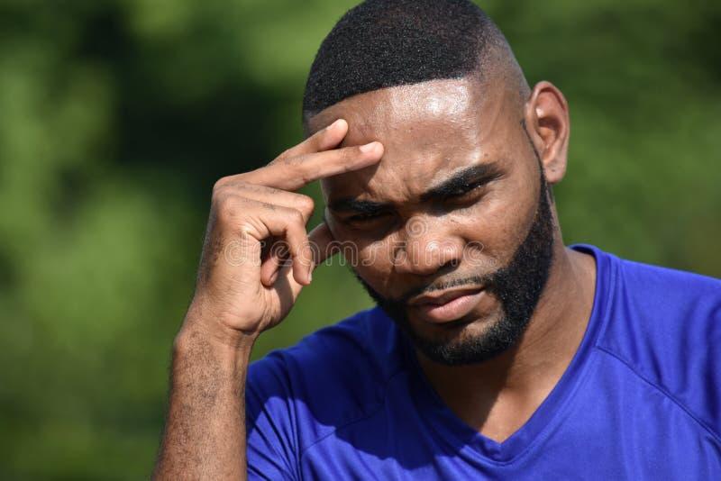 Athlète masculin convenable Thinking photos stock