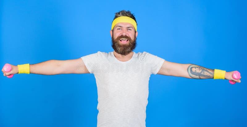 Athlet auf Weise zum starken Körper Gesunde Gewohnheiten Athletenamateurtraining Athletentraining mit wenigem Dummkopf Mann stockfotografie