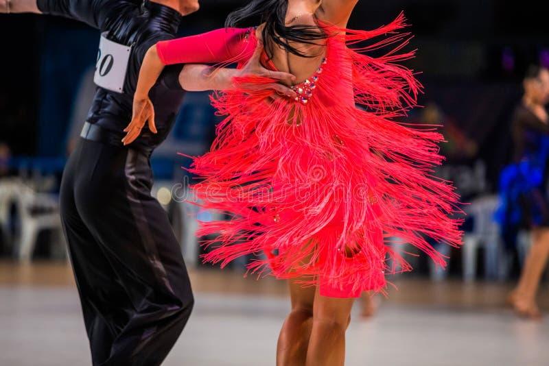 Athletenpaare von Tänzern stockbild