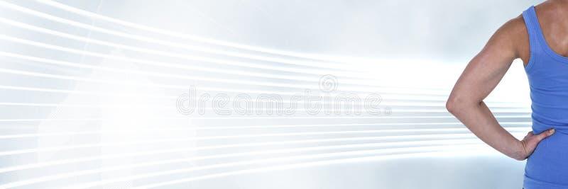 Athletische Sitzfrau und glühende Kurven stockfoto