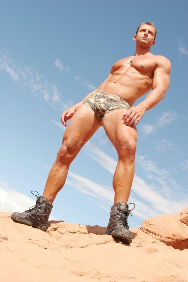 Athletischer reizvoller Mann - Waschbrett-ABS lizenzfreie stockfotos