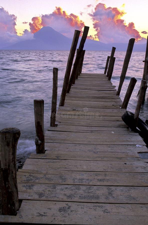 atitlan危地马拉湖日出 库存照片