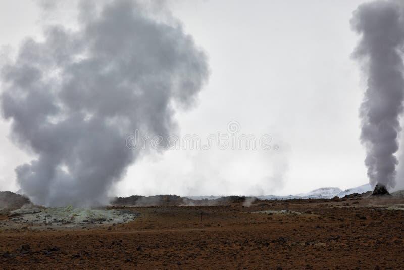 Atividade geotérmica em Myvatn em Islândia fotografia de stock royalty free