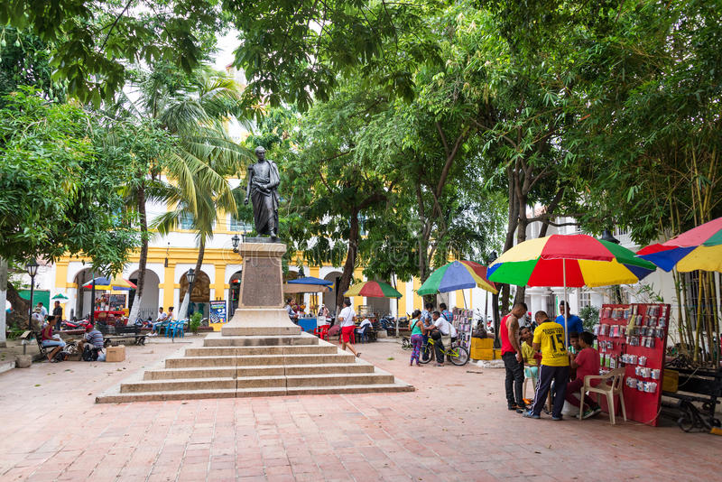 Atividade na plaza em Mompox, Colômbia fotos de stock