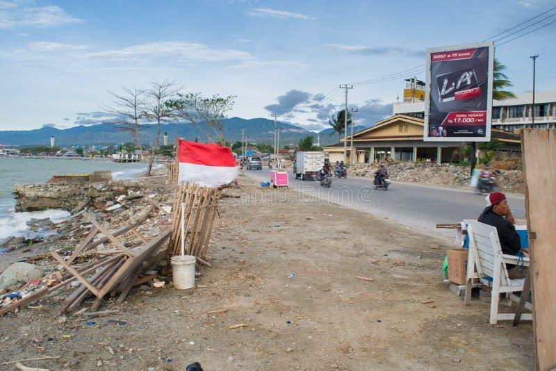 Atividades locais em Talise após o tsunami Palu foto de stock royalty free