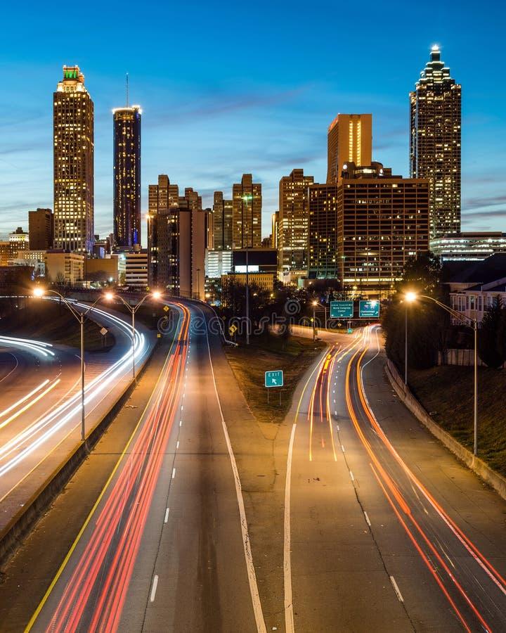 Atlanta w centrum linia horyzontu podczas zmierzchu obraz royalty free