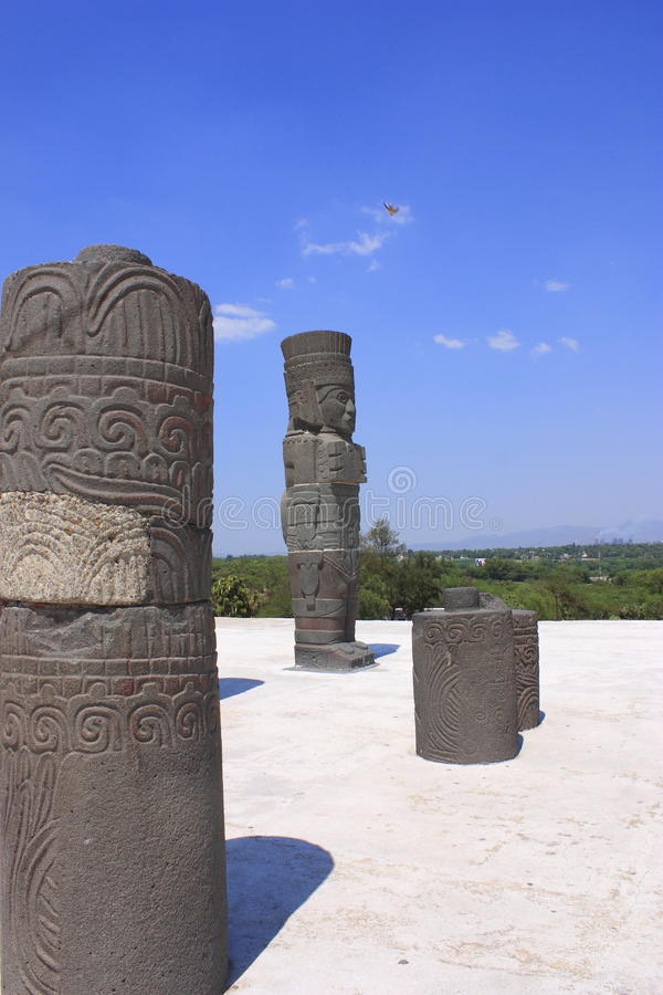 Download Atlante tolteca stock photo. Image of giant, guards, archaeology - 19707668