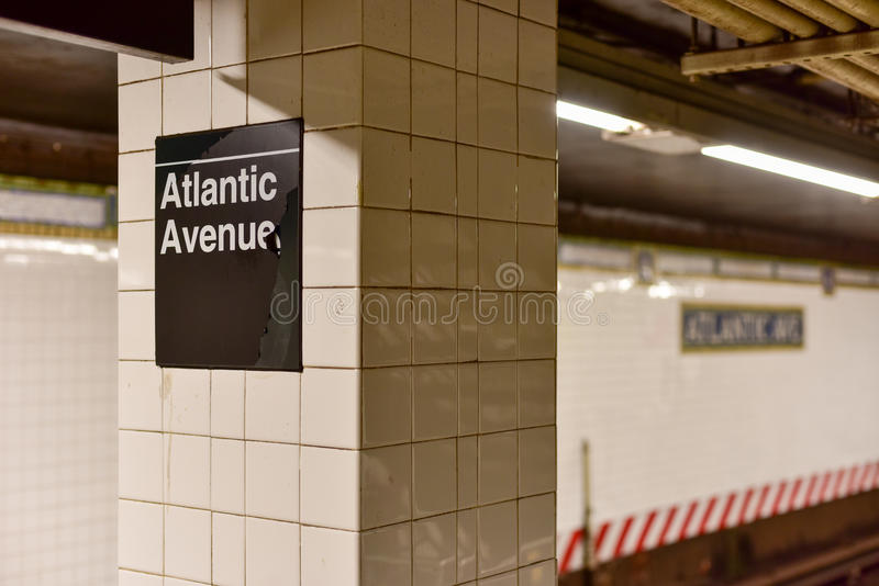 Atlanten Av, Barclays centrerar stationen, New York City arkivfoton