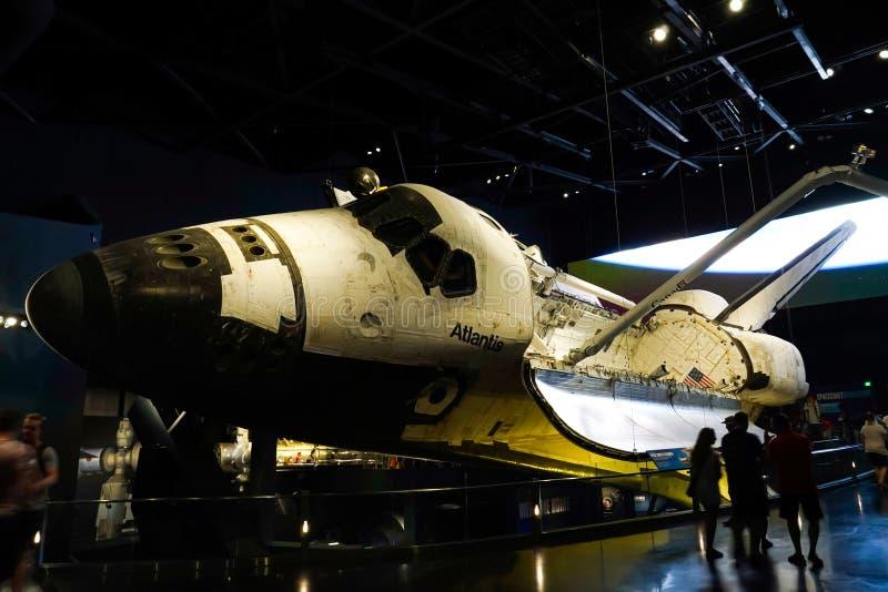 Atlantia wahadłowiec kosmiczny na pokazie przy centrum lotów kosmicznych imienia johna f. kennedyego obraz royalty free