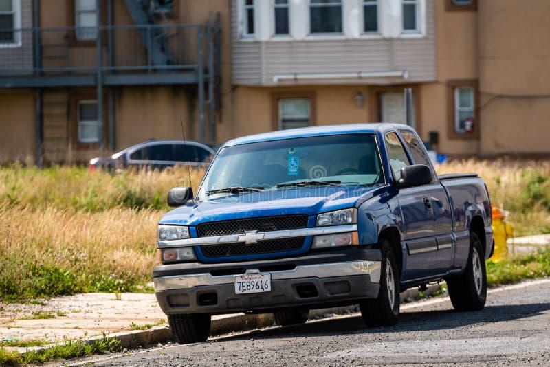 ATLANTIC CITY, NEW-JERSEY - 18 DE JUNHO DE 2019: Azul pegare o caminhão estacionado em Atlantic City o 18 de junho de 2019 imagens de stock royalty free