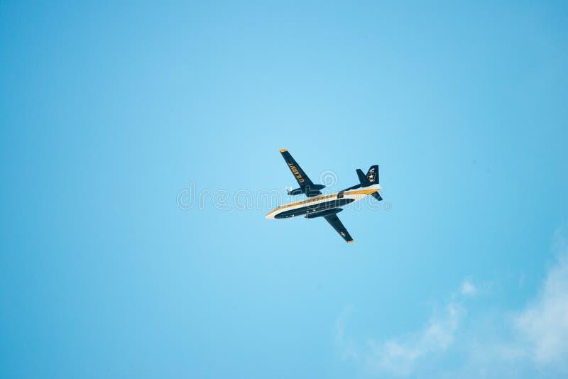 ATLANTIC CITY, NJ - 17 DE AGOSTO: Paracaídas Team Aircraft del Ejército de los EE. UU. en el salón aeronáutico anual de Atlantic  fotografía de archivo libre de regalías