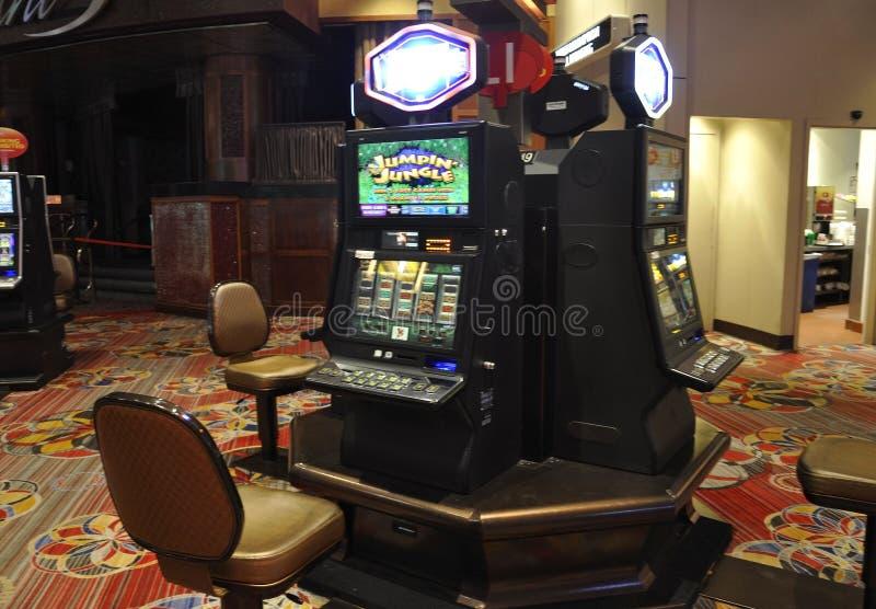 Atlantic City, o 4 de agosto: Opinião interior do casino do recurso de Atlantic City em New-jersey imagens de stock