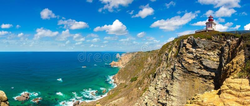 Atlantic Ocean kust i Portugal royaltyfria bilder