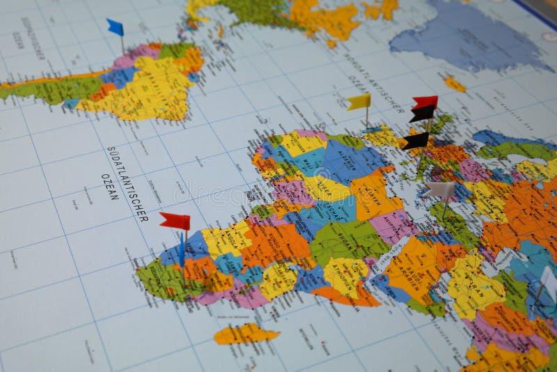 Atlas que muestra Suramérica y África fotos de archivo libres de regalías