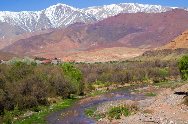 Atlasberge in Marokko lizenzfreie stockfotos