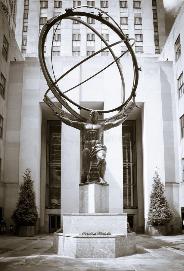 Atlasstatue vor Rockefeller-Mitte stockfotografie