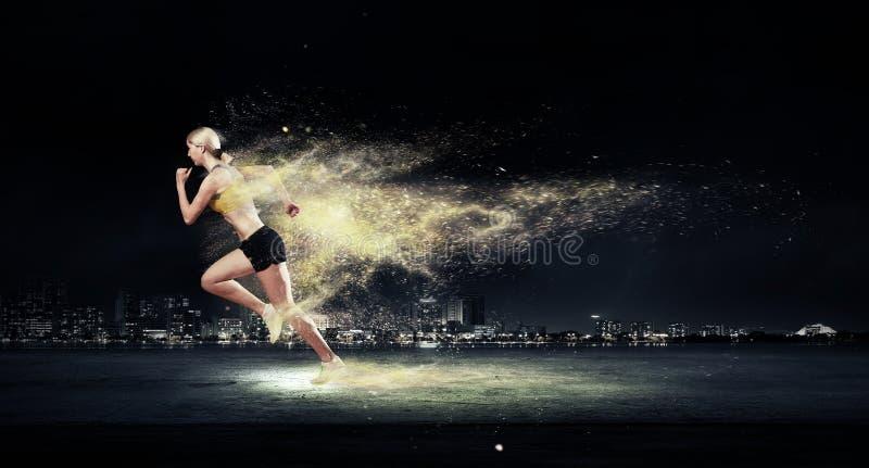 Atleet die snel loopt stock afbeelding