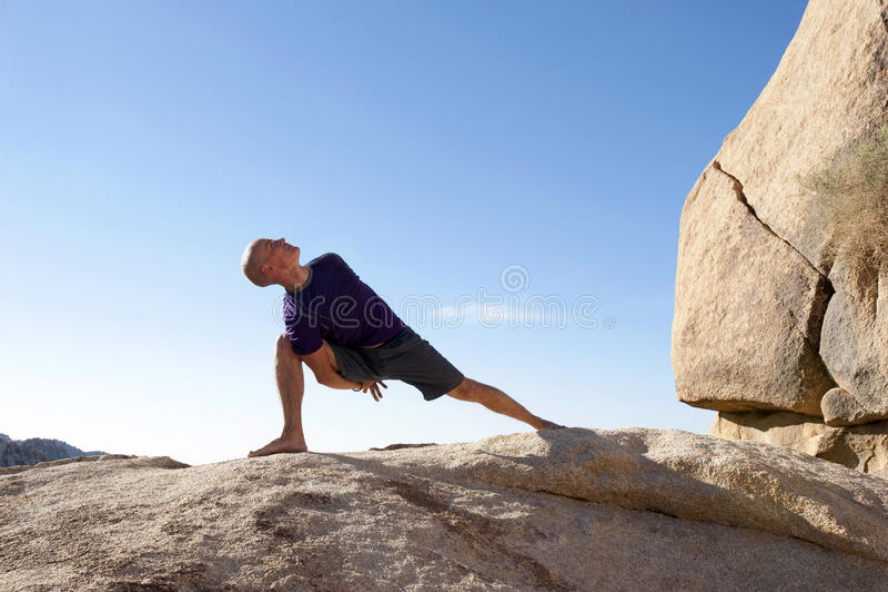 Atleta de la yoga imagen de archivo libre de regalías