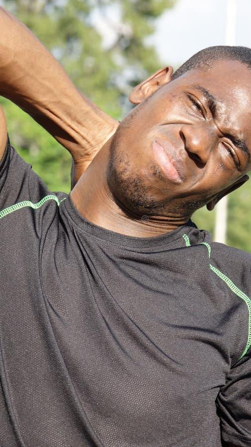 Atleta de sexo masculino dolorido fotos de archivo libres de regalías