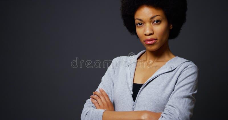 Atleta fuerte de la mujer negra imágenes de archivo libres de regalías