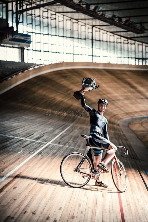 Atleta no velodrome foto de stock