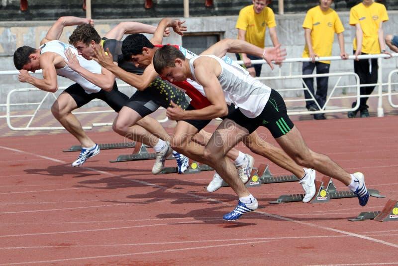 Atleti all'inizio fotografia stock