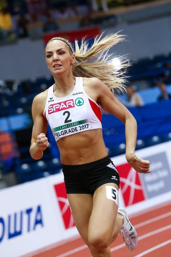 Atletica - transenne delle donne 800m di pentatlon - DADIC Ivona immagine stock