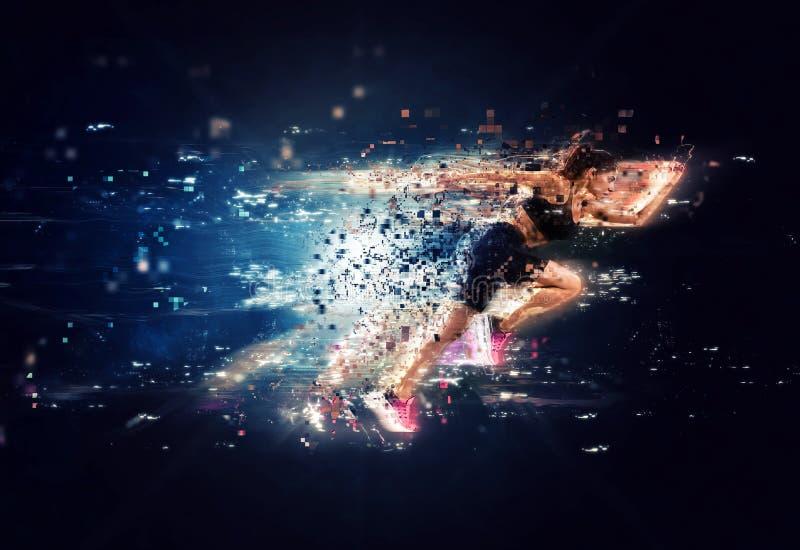 Atletische vrouwen snelle agent met futuristische gevolgen royalty-vrije stock afbeelding