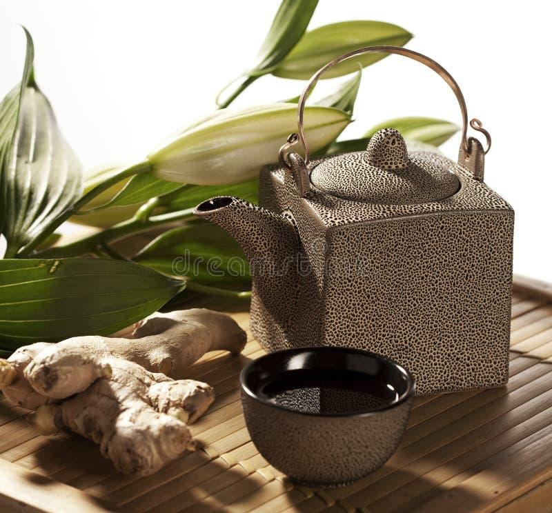 Atmósfera del té del ginseng del zen imagen de archivo