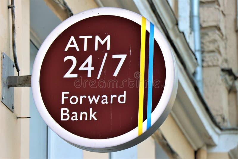 Atm banka maszynowy signboard używać dla wycofuje gotówkę, wynagrodzenie usługi i inne pieniężne operacje, obrazy royalty free
