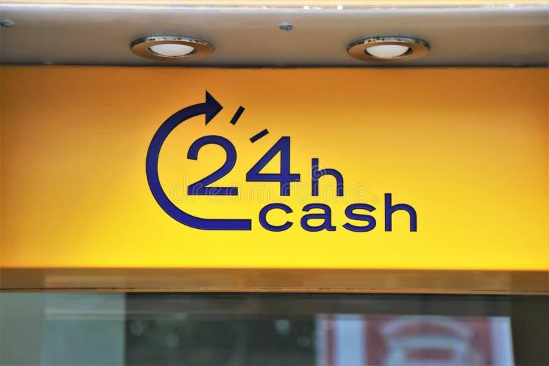 Atm banka maszynowy signboard używać dla wycofuje gotówkę, wynagrodzenie usługi i inne pieniężne operacje, obraz royalty free