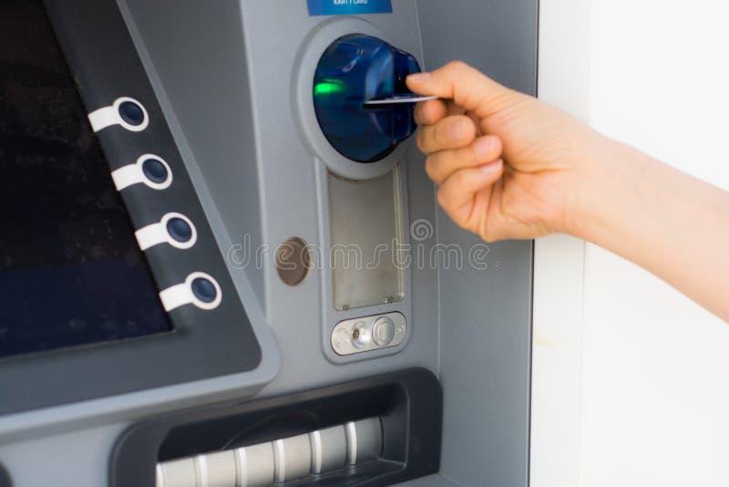 ATM och kreditkort royaltyfri foto