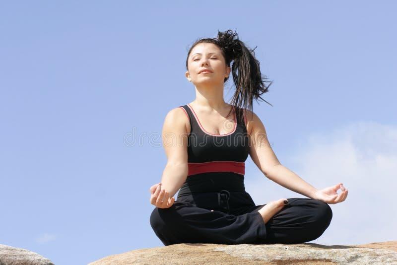 Download Atmen Sie (pranayama) stockbild. Bild von atem, lenkung - 33515