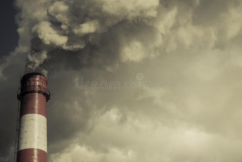 Atmosfäriska utsläpp arkivfoton