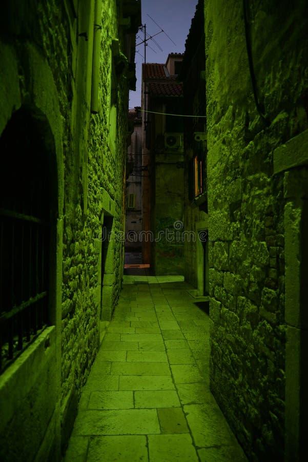 Atmosfera assustador da noite Split, Croatia imagens de stock