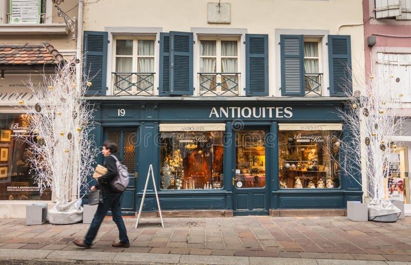 Atmosfera della via un giorno di inverno a Mulhouse fotografie stock