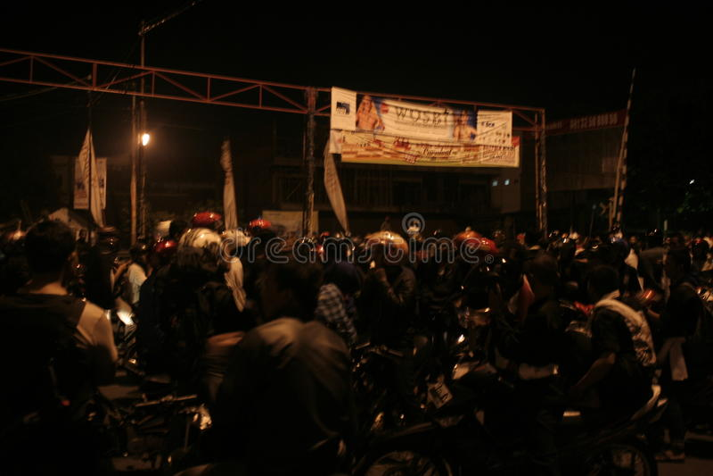 Atmosphere mass destruction Setia Hati Teratai on Pasar Nusukan, Solo city. Police perform vital security and mass dispel night stock photos