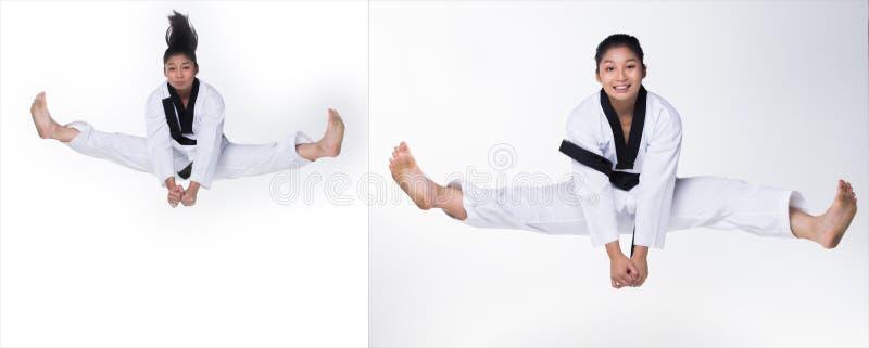 Ato de combate do professor mestre de TaeKwonDo do cintur?o negro fotos de stock
