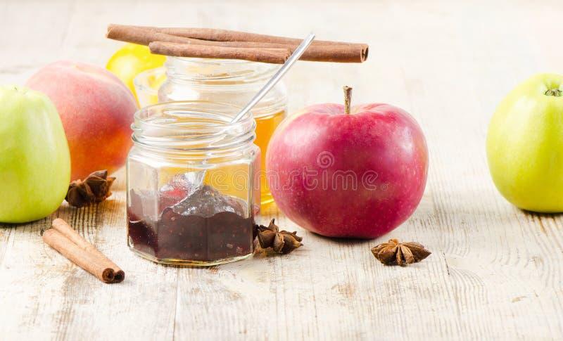 Atolamento das frutas foto de stock royalty free